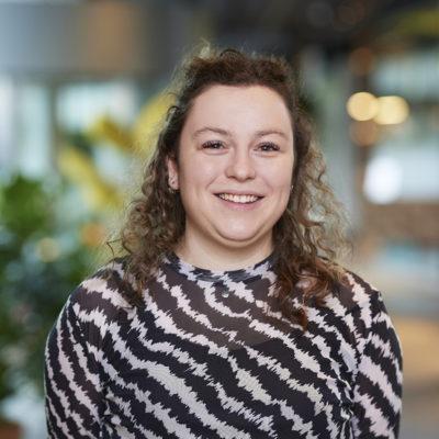 Laura van den Hoven